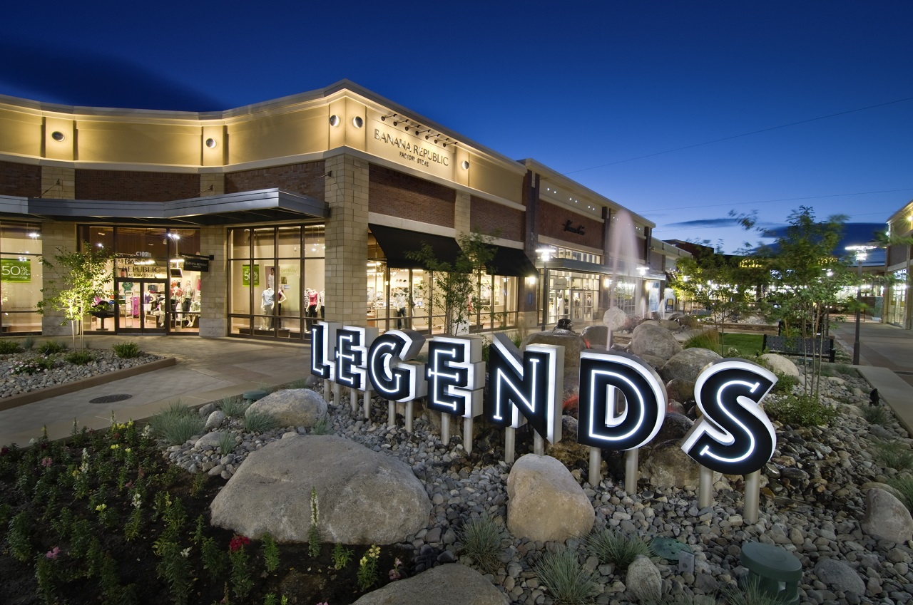 Shopping in Reno at The Outlets at Legends Photo by Chris Stowell Photography